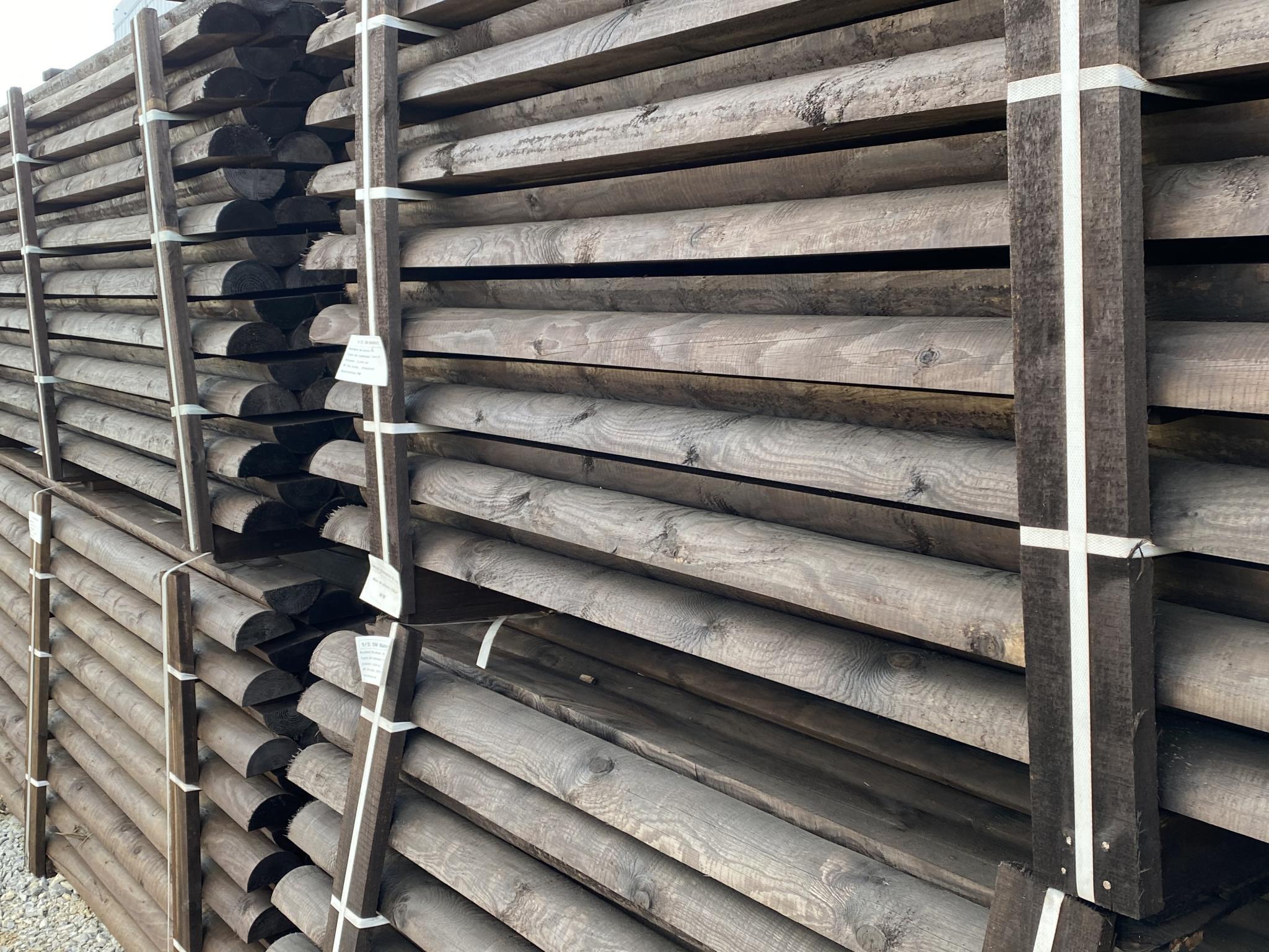 qualité des choix de nos bois pour les lisses en pin traitées au sel marron