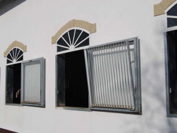 Fenêtre de boxe battante / oscillo battante