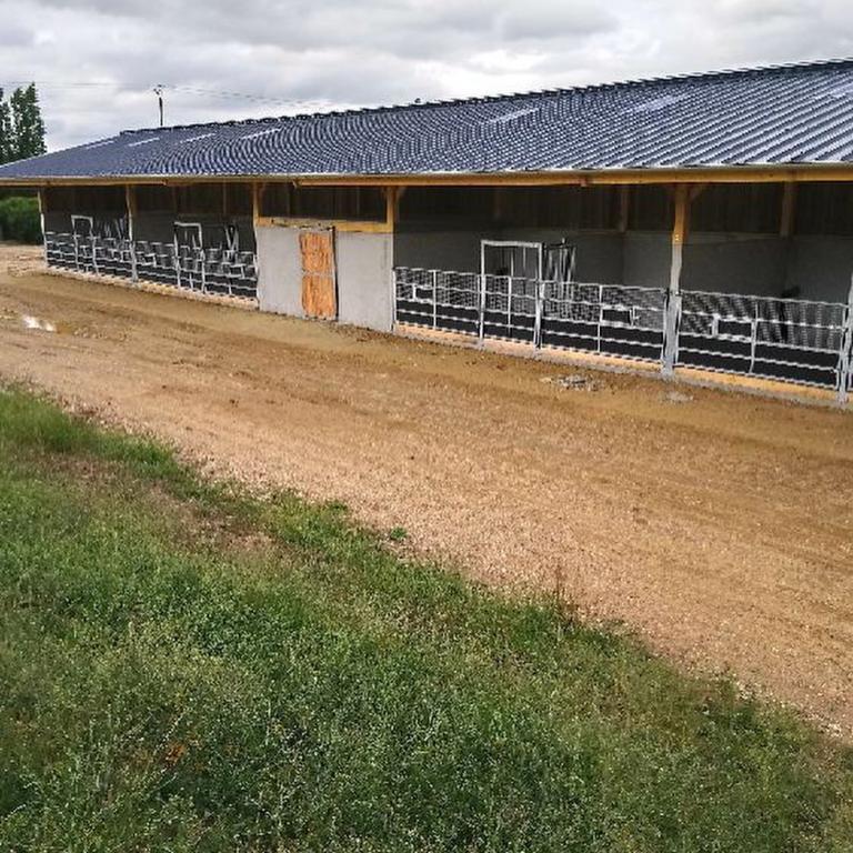 Conception d'un bâtiment équestre complet sur la région Pays de la Loire (52)
