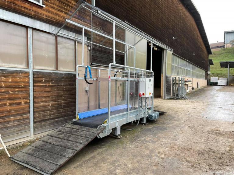 Livraison d'un tapis d'entraînement Horse Gym 2000 en Haute-Savoie (74)